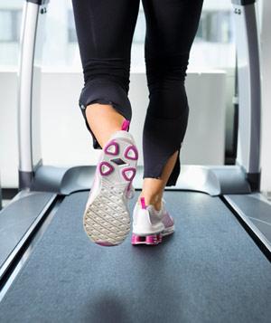 running-feet-treadmill1